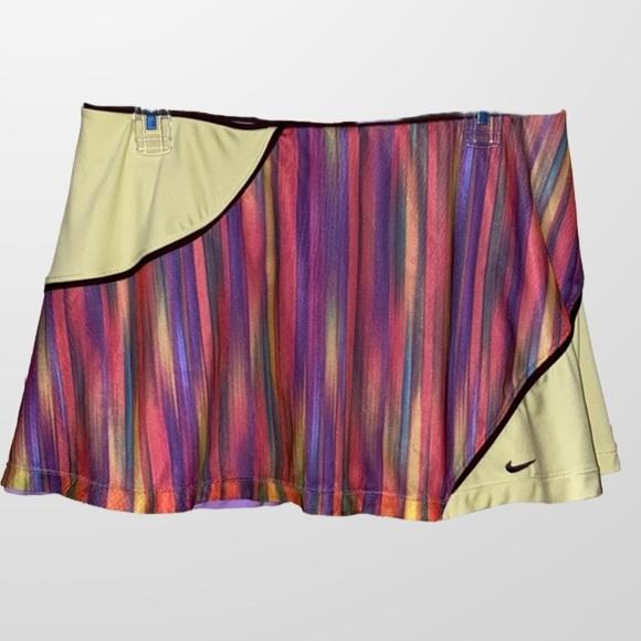 Nike Dri Fit Rainbow Watercolor Tennis Sko…